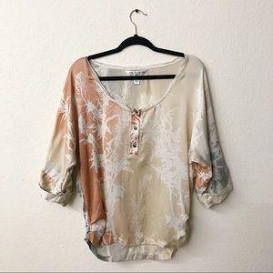 Diane Von Furstenburg 100% Silk Roll Sleeve Blouse